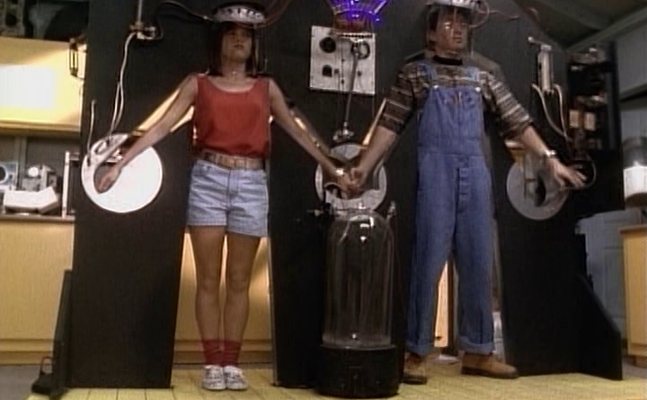 Power Rangers - 1x16 - Switching Places