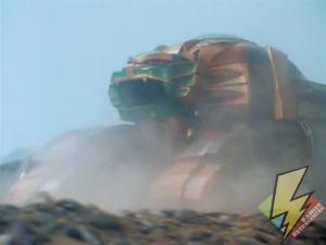 Lion Thunderzord rolling into battle
