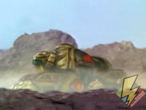 Lion Thunderzord with rear treads