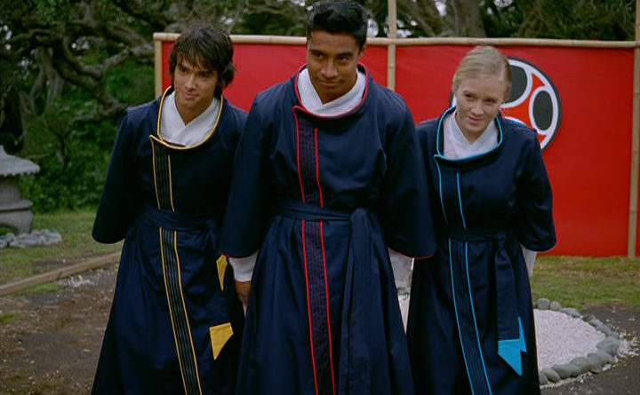 Power Rangers - 11x38 - Storm Before the Calm (2)