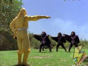 Yellow Ninja Ranger controls the Tengas